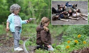 photographer s the walking dead child photo shoot