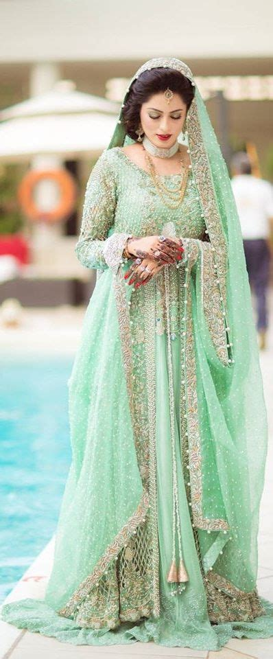 1000  ideas about Pakistani Dresses on Pinterest   Pakistani, Couture week and Ethnic suit