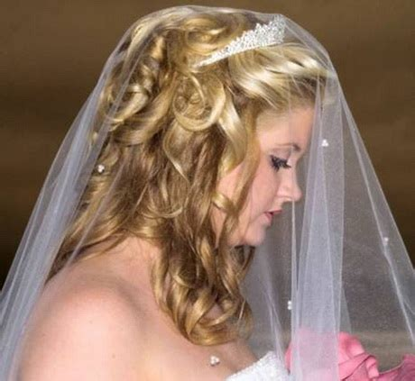 Wedding Hair Half Up With Birdcage Veil by Wedding Hair Half Up Half With Veil