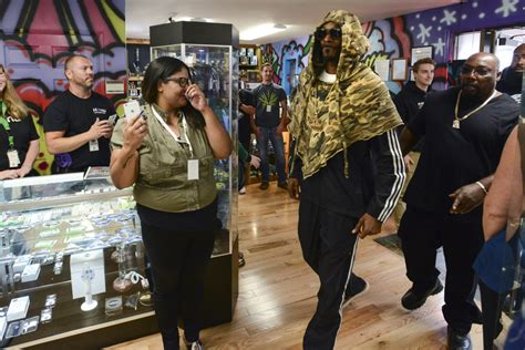 snoop dogg s house shopping with snoop dogg at mary jane s house of grass the columbian