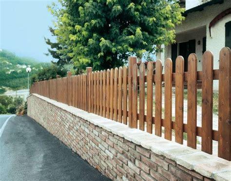 recinzioni x giardini modelli di recinzioni in legno recinzioni recinzioni