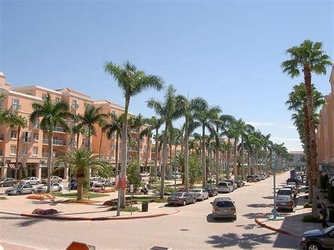 Racks Boca Raton Florida by Mizner Park