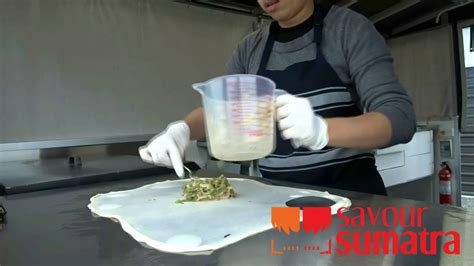 famous indonesian street food   zealand martabak