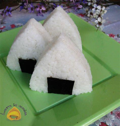 cucinare riso giapponese onigiri ricetta giapponese ricetta cucina giapponese e