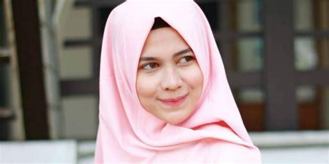 Sisir Alis Wardah yuk dapatkan alis cantik hidayatur rahmi co id