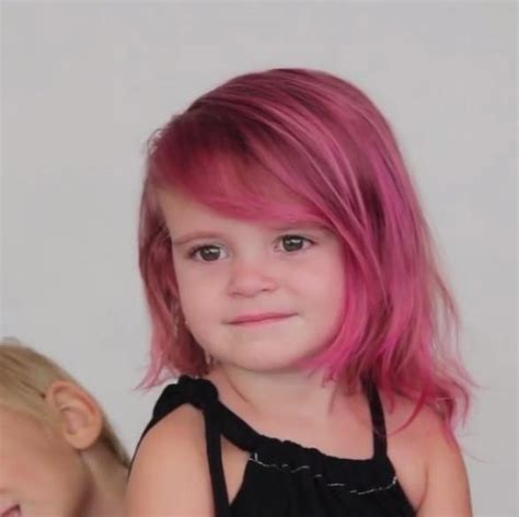old woman pink hair mum slammed for dyeing her two year old daughter s hair