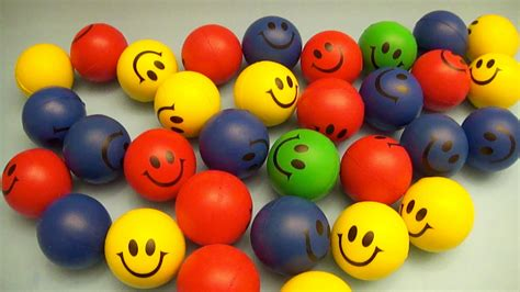 Big Emoticon Squishy learn colours with smiley squishy balls learning contest