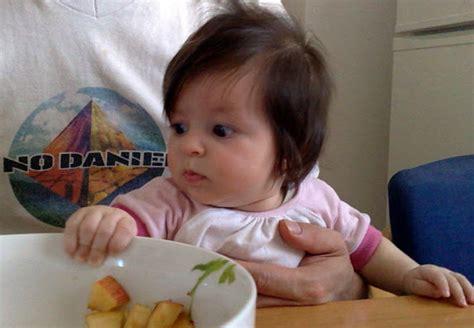 alimentazione bimbo 4 mesi quando un neonato 232 pronto per lo svezzamento curve di