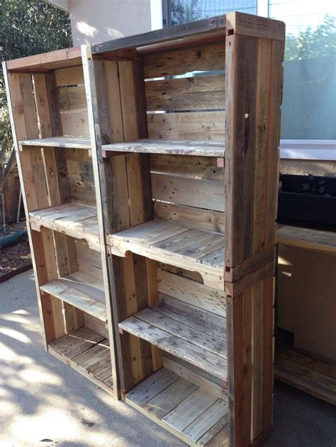 Bookshelf Out Of Pallets by Pallet Bookshelves Pallet Shelves Diy Pallet Furniture