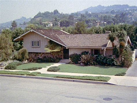 brady bunch house brady bunch house in california ransacked by burglars police people com
