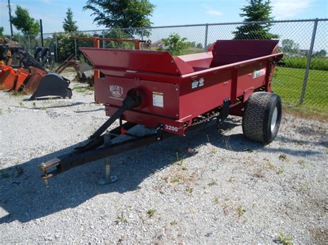 Top Dresser Rental by Millcreek 3200 Top Dresser Fully Equipped