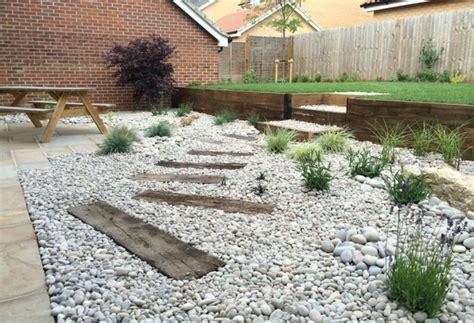 piedras para el jardin piedras para jardin todo lo que debes saber antes de usarlas