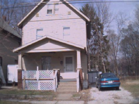 Garage Sales Akron Ohio by 1273 Laird St Akron Ohio 44305 Unfurnished Homes For