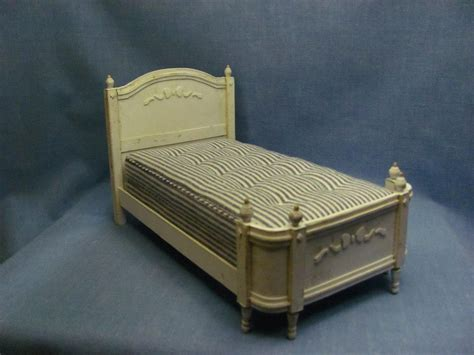dolls house furniture to make dollhouse miniature furniture tutorials 1 inch minis sabby chic card stock bed