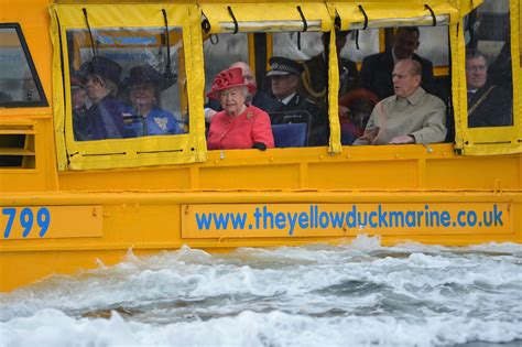 duck boat tours ottawa queen elizabeth once took king abdullah for a drive