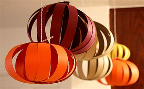 How To Make Circle Paper Lanterns - 12 unique thanksgiving decoration ideas