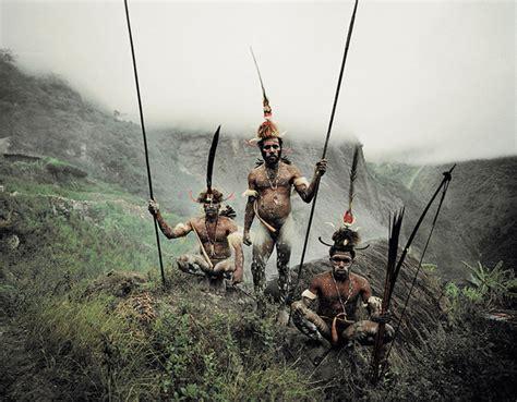 nouvelles fronti鑽es si鑒e social les tribus du bout du monde en 46 photos la banane qui