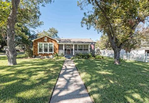 joanna and chip gaines homes for sale another hgtv fixer upper home up for sale in chip and