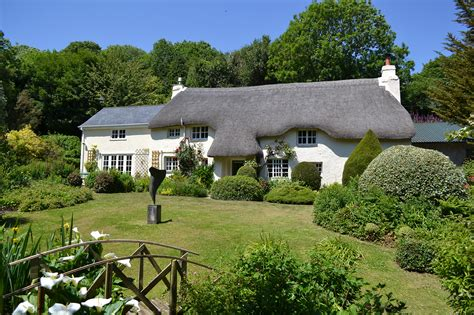 cottage stays uk friendly places to stay toad cottages pawfect