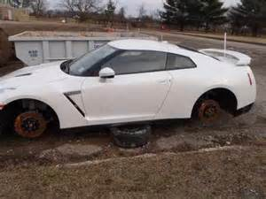 Wrecked Nissan Gtr For Sale Sell Used 2013 Nissan Gtr Premium White Salvage Gtr Runs