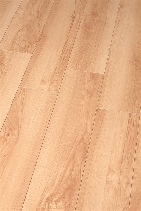 UNIFLOOR CHINESE LAMINATE FLOORING   4866 Rupert St