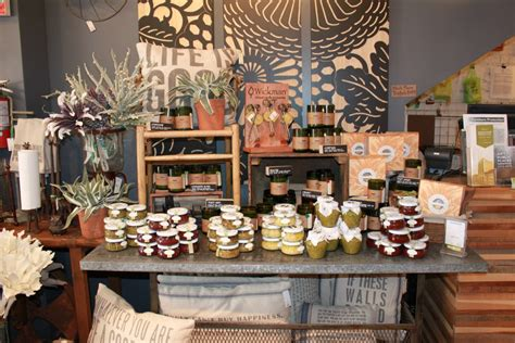 Home Decor Boutiques | decorella shop local small business saturday