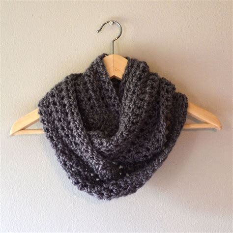 crochet in color cowl
