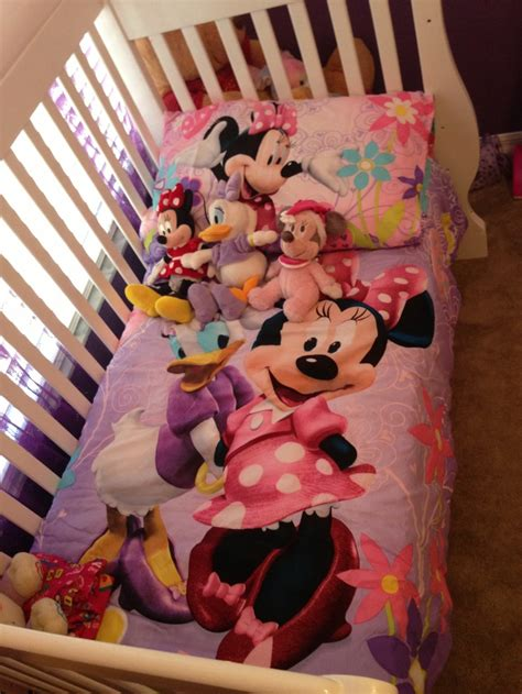 minnie mouse toddler comforter toddler bedding set minnie mouse bow tique w daisy duck