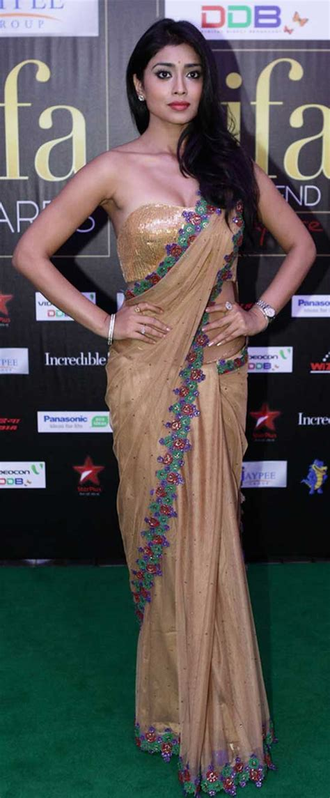 shriya sareeblousefashioncom 22 amazing pics of shriya saran in saree