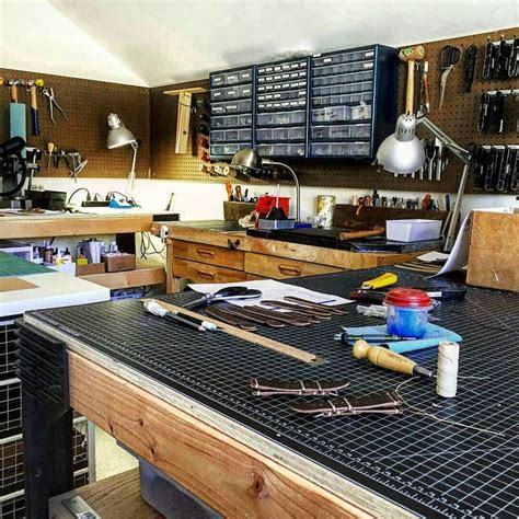 Handcraft Workshop - 1000 ideas about workbenches on woodworking