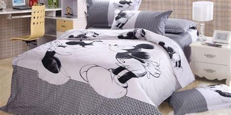 Housse De Couette Mickey Et Minnie 2 Personnes by Une Housse De Couette Minnie Pour Votre Fille