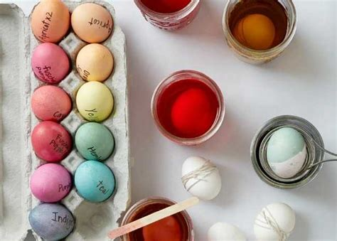 easy dyes for easter eggs how to dye easter eggs plus easy decorating ideas