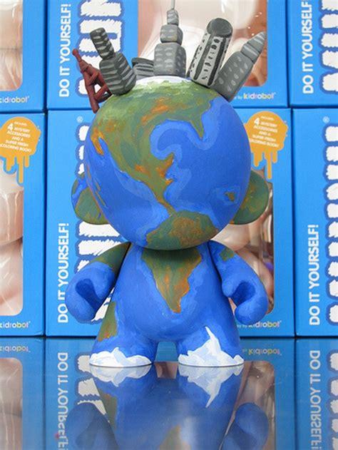 munnyworld doodle dolls ideas 27 best munny doll ideas images on vinyl toys
