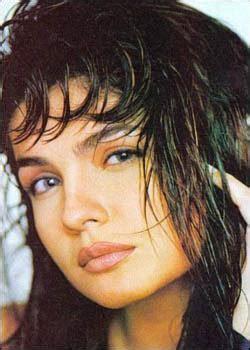 biography of movie sadak actress photos and hot actress photos hot pooja bhatt photos