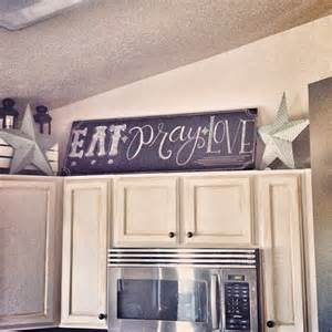 chalkboard kitchen sign makes things