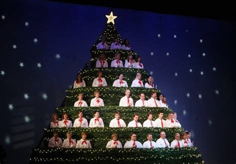 church features 21 foot tall singing christmas tree