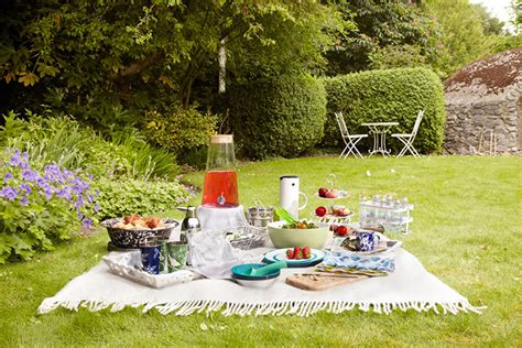 Picnic Gardens summer homes and gardens picnic and style