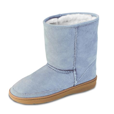 pugs boots minnetonka moccasins 174 sheepskin pug boots 48626 casual shoes at sportsman s