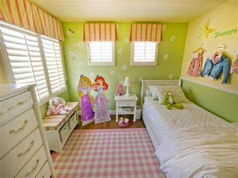 small girl bedroom ideas a multifunctional little girl s room in a small space