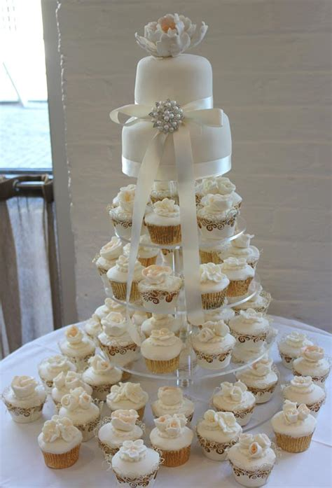 Wedding Cake Idea Wedding Cupcakes by Wedding Cupcakes With Floral Toppers Ipunya