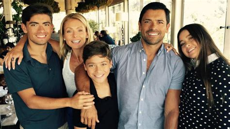 pictures of kelly ripas children mark consuelos on living in l a with his teenage children