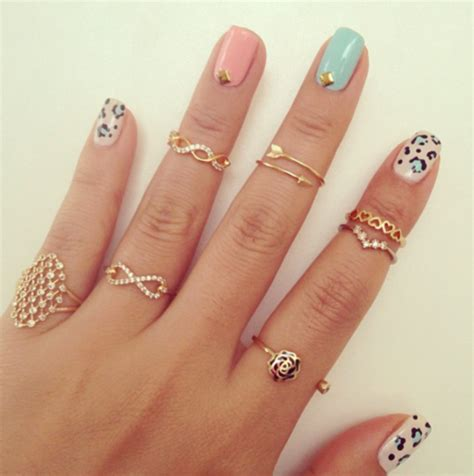 mid finger rings tumblr moda colores pasteles el124