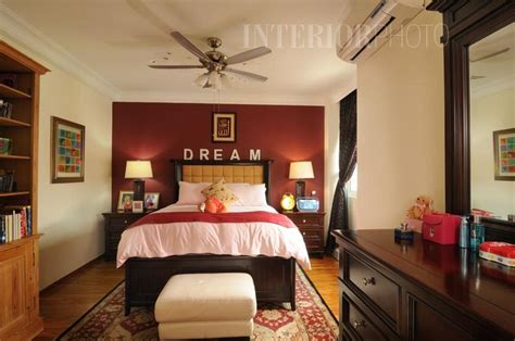 Bedroom With Maroon Accent Wall Maroon Bedroom Ideas 2008 2014 Michael Dur Site By
