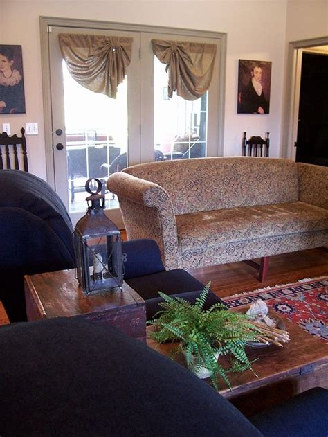 Early American Living Room Furniture 17 Best Images About Colonial Or Early American Living Rooms On Primitive Living