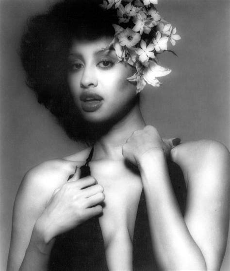 Phyllia Original beautiful pictures of and the originals on
