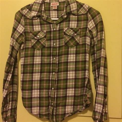 Mossimo Flannel 50 mossimo supply co tops mossimo green plaid flannel from s closet on poshmark