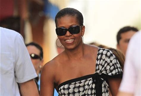 vacation obama media blackout of michelle obama s 24 day hawaii vacation