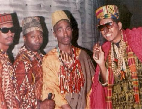 tupac and digital underground 1989 08 02 2pac signed a contract with digital underground