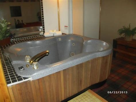 hotels with in room in michigan tub in room picture of quality inn west branch tripadvisor