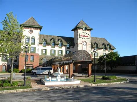 bloomington il hotels with in room the chateau hotel and conference center updated 2017 prices reviews bloomington il